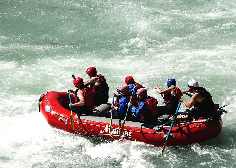 canva-raft,-whitewater-raft,-boat,-teamwork,-adventure-MACVcvJAwi4