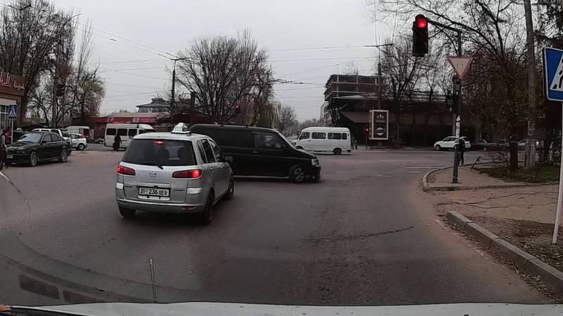 На Ленина-Сельская водитель «Хонды» нарушил несколько ПДД (видео, фото)