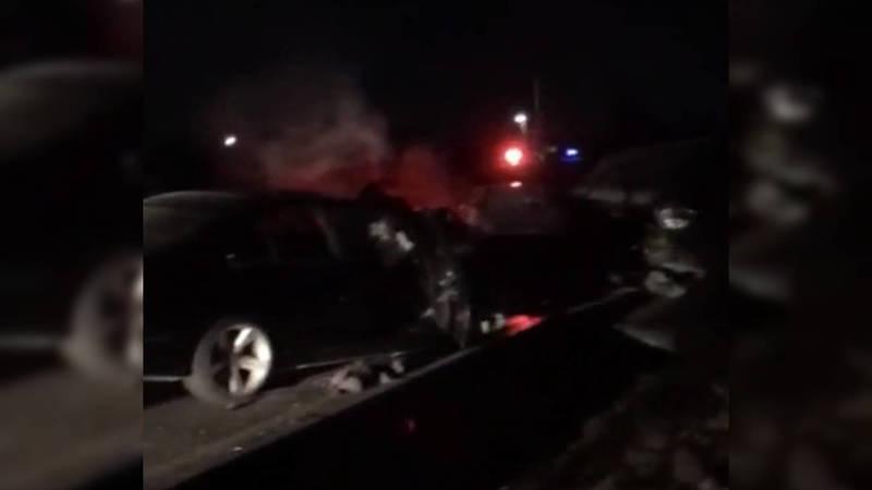 В Кызыл-Аскере водитель «БМВ» врезался в «Порше». Видео с места аварии