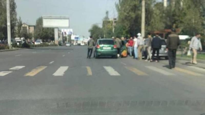 На ул.Ибраимова сбили девушку, - очевидец