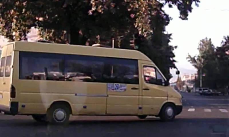 На Чуй - Ибраимова водитель маршрутки повернул на красный свет светофора (видео)
