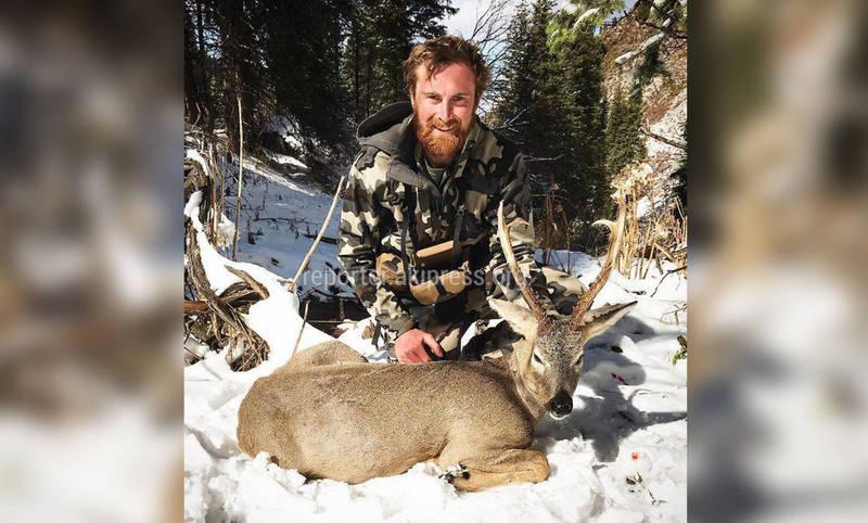 Охотники из Австралии публикуют фотографии убитых в Кыргызстане козерогов и косуль. Это возмутило соцсети (осторожно, фото)
