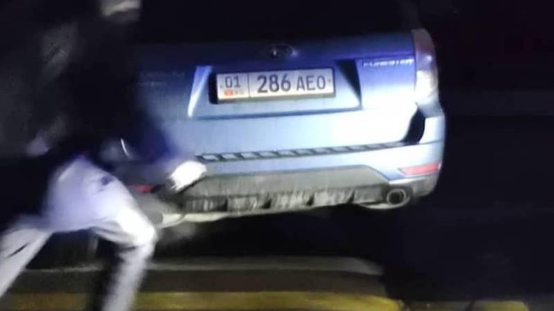 Фото — На Гоголя водители паркуются на «зебре» возле школы