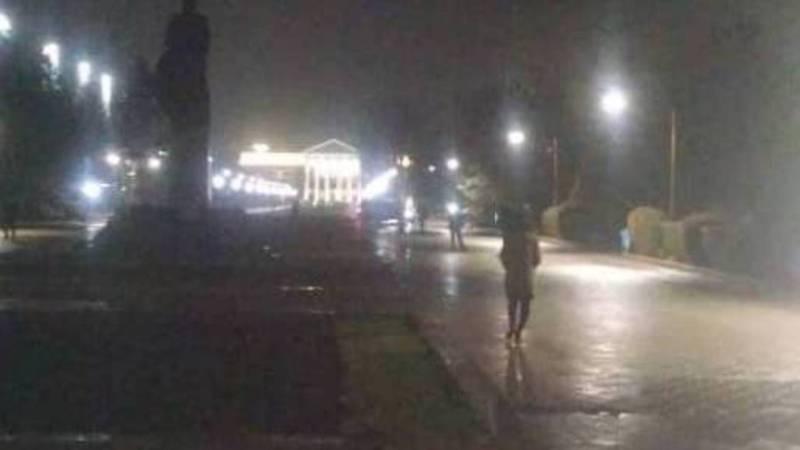 На улице Рыскулова водители ездят по пешеходной зоне, - бишкекчанка
