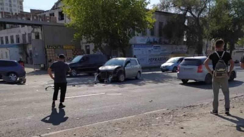На ул.Льва Толстого произошло ДТП, пострадавших нет
