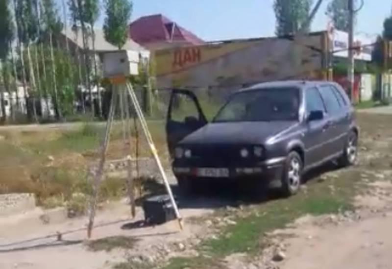 Бишкекчанин интересуется, законно ли камера-тренога снимает встречное движение на ул.Садырбаева?