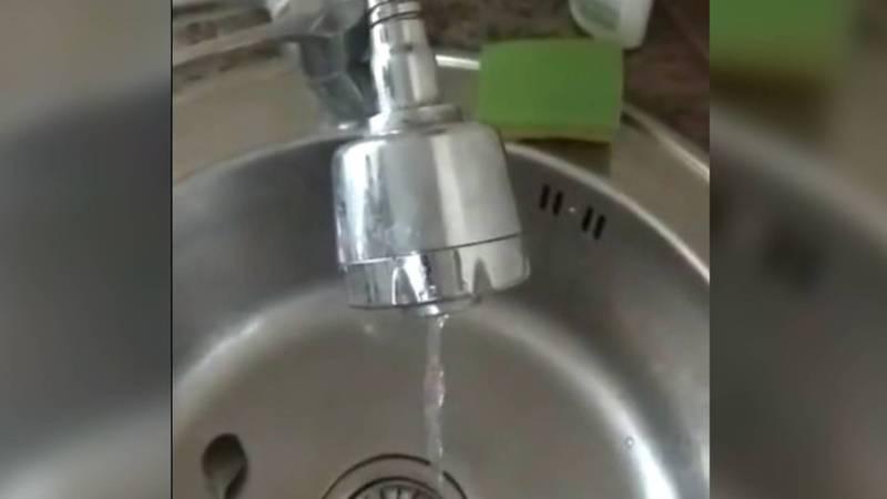 Жители Лебединовки снова жалуются на слабый напор питьевой воды