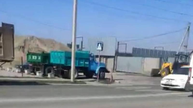 На ул.Алыкулова пыль из угольной базы проникает в дома, - жительница (видео)