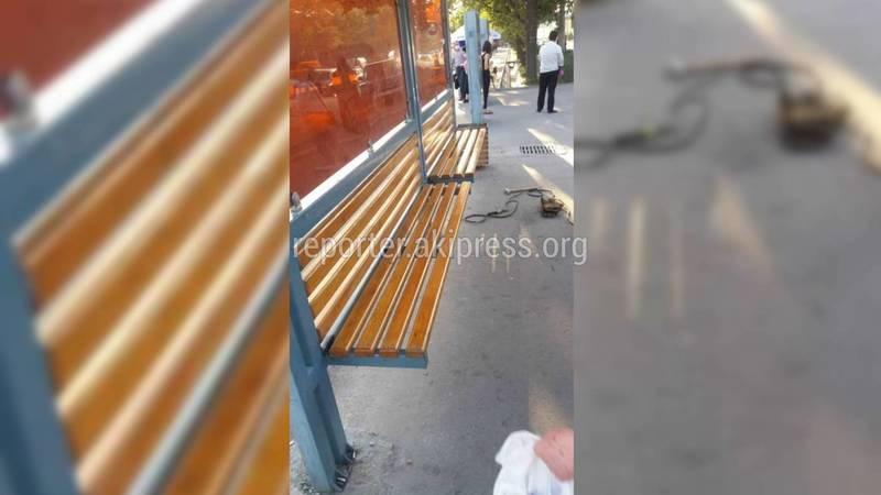 Скамейки на остановке в Востоке-5 отремонтированы, - мэрия