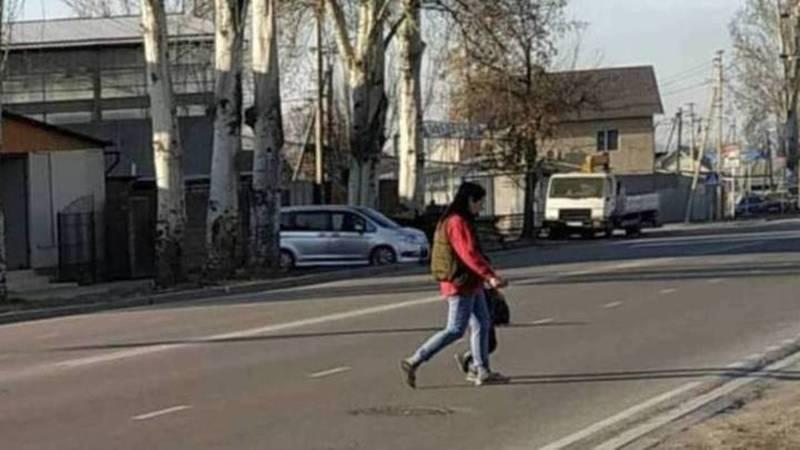 На ул.Тоголок Молдо возле школы №18 по проекту нет пешеходного перехода, - мэрия