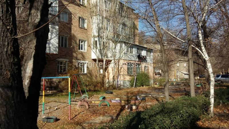 Законно ли воздвигли пристройку к дому на ул.Борончиева в Токмоке?