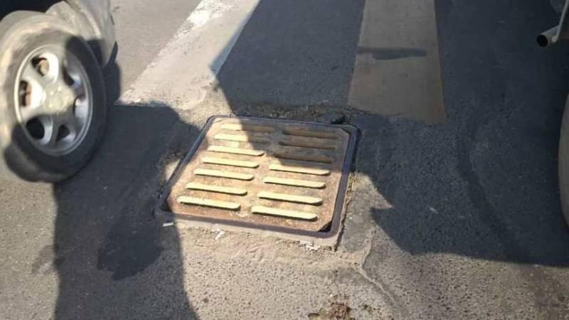 На Южной магистрали заменили ливневую решетку