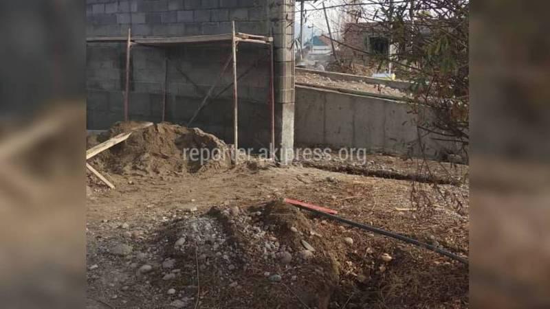 Законно ли в городе Токмок строится АЗС рядом с жилыми домами?
