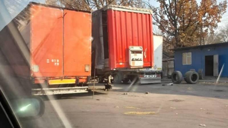 На улице Мурманской затруднен проезд, - очевидец