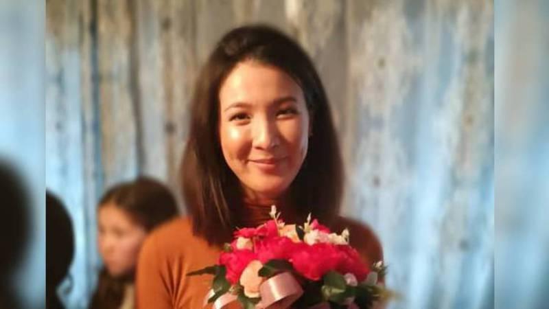 20-летняя Кенже борется с раком крови и просит кыргызстанцев о помощи при сборе средств на операцию, на которую нужно $67 тыс.