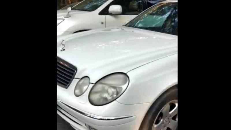 На Эркиндик-Жумабека водители паркуются на проезжей части дороги (видео, фото)