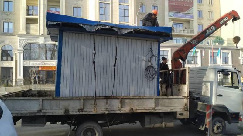 Фото — На улице Гоголя демонтированы незаконно установленные павильоны