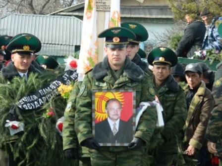 Похороны А.Барыкина  / Пикертык / АКИpress