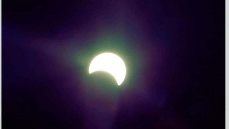 Фото – Удивительный снимок солнечного затмения в Бишкеке