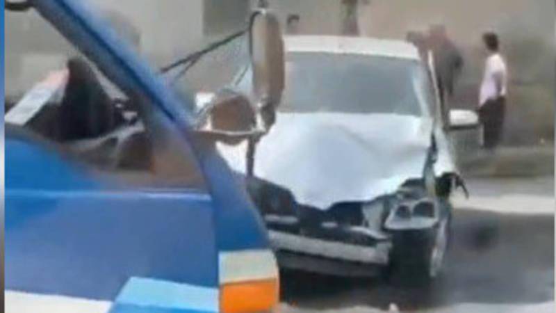 В Оше грузовой «Портер» с арбузами столкнулся с легковушкой. Видео с места аварии