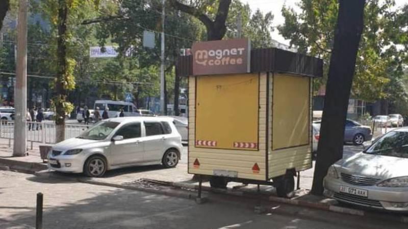 Законно ли на ул.Киевской стоит будка для продажи кофе? - горожанин