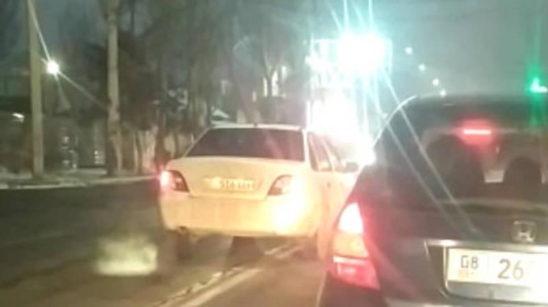 Водитель на «Нексии» выехал на встречку на Ахунбаева, - очевидец