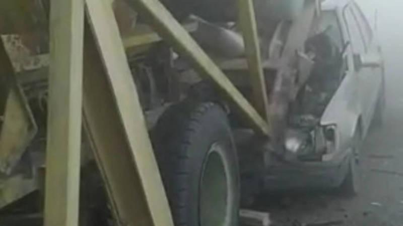 «Мерседес» залетел под станок-дробилку. Видео