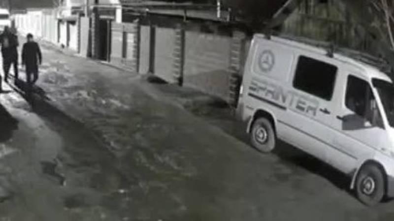 Угон «Спринтера» попал на видео