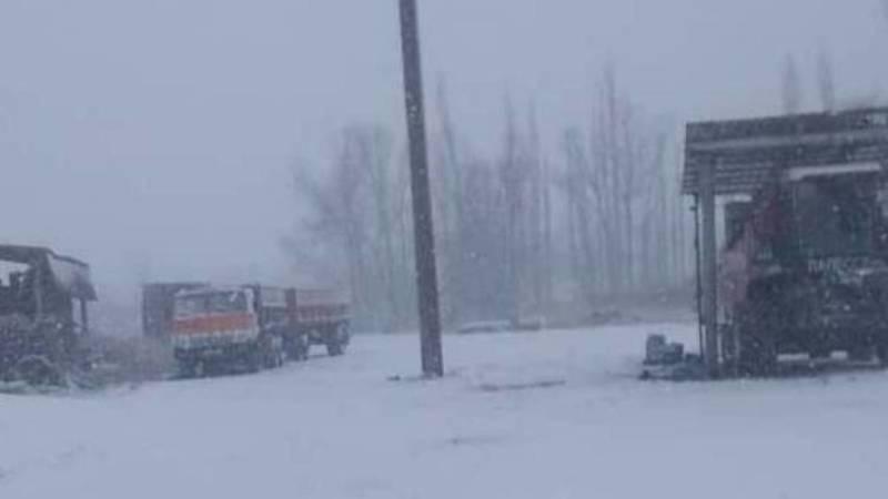 «За 5 минут все замело». Снег в селе Чалдовар. Фото и видео