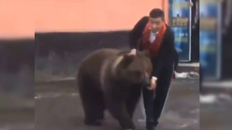 Из цирка в Оше сбежал медведь. Видео