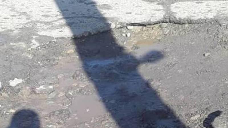 «Колеса или штраф». Водитель жалуется на ямы на проспекте Чуй. Видео