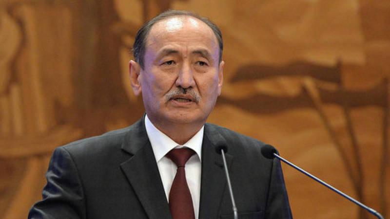 «Мы сами не поняли». Глава Минздрава Бейшеналиев прокомментировал инцидент с женщиной в Нарыне