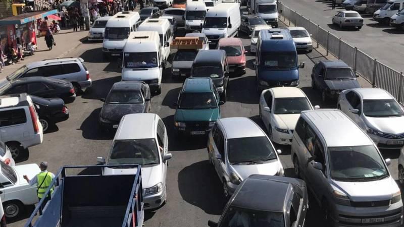 Из-за ДТП на Алматинке образовалась пробка. Фото