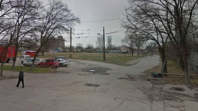 На Лермонтова-Мичурина отсутствует решетка ливнеприемника. Троллейбусы не могут объехать участок