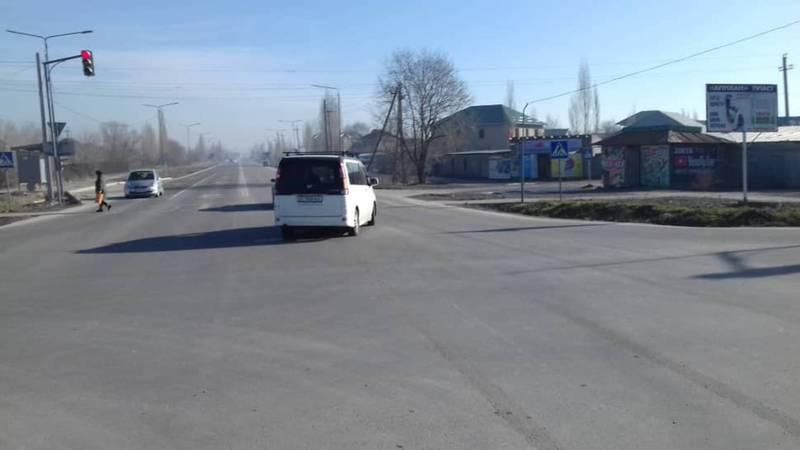 Мусорные контейнеры на Ахунбаева-Алыкулова, которые мешали обзору водителям убраны (фото)