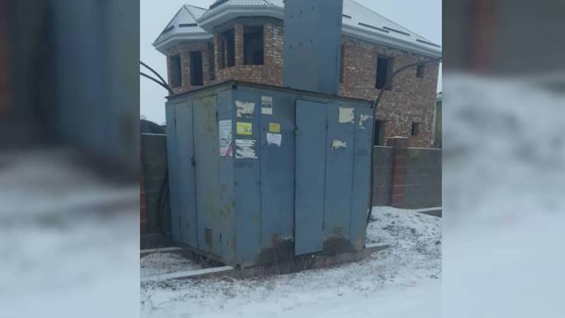 Жители жилмассива ВОССТ просят передать трансформатор, который обслуживает несколько улиц на баланс Военно-Антоновского РЭС