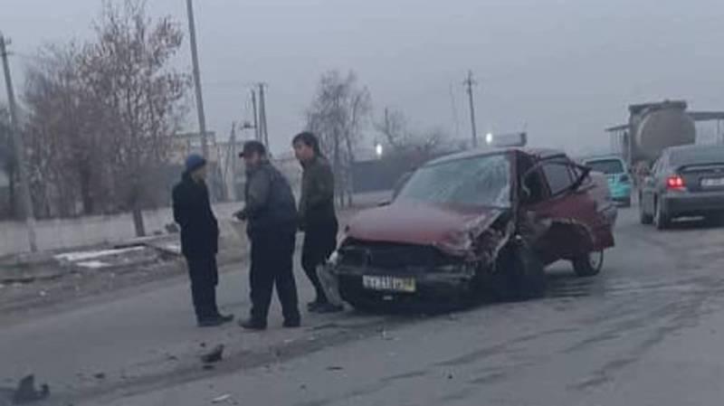 В городе Жалал-Абад произошло ДТП. Фото