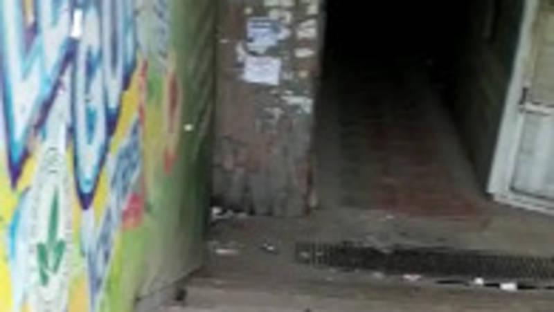 Бишкекчанка жалуется на состояние подземного перехода возле восточного автовокзала. Видео