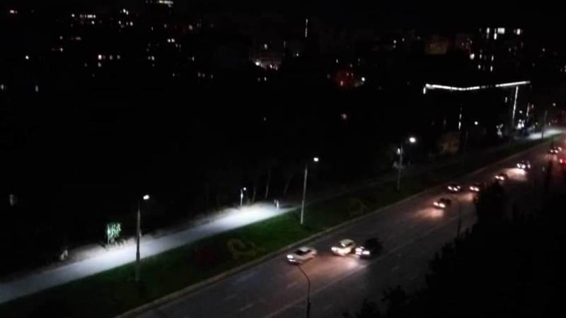 На участке велодорожки вдоль ул.Абдрахманова нет столбов освещения, - горожанин