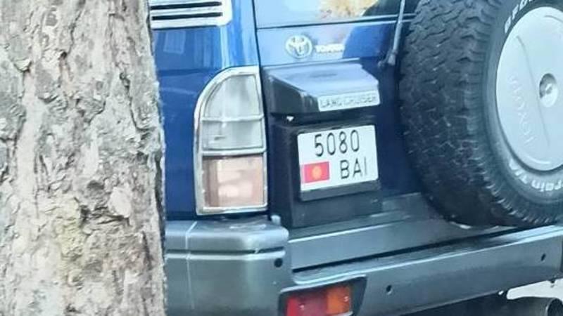 В Бишкеке замечен «Прадо», у которого 83 тыс. сомов штрафов на Carcheck