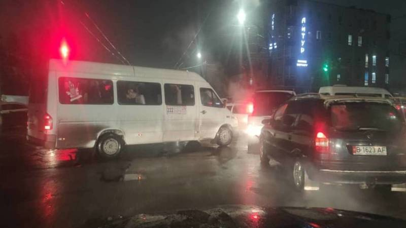 Можно ли поставить регулировщика на перекрестке Московской-Некрасова в час пик? - бишкекчанин