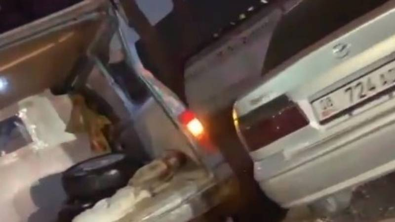Mazda столкнулась с бусом на Льва Толстого. Видео