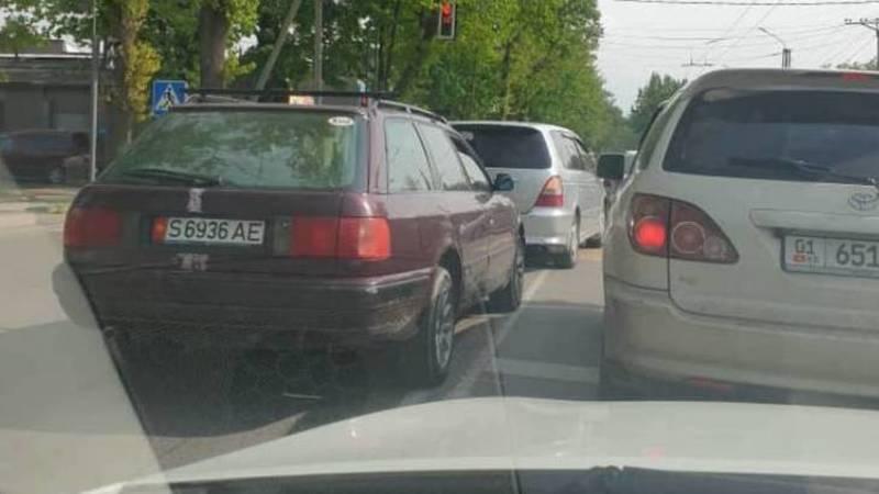На Советской несколько машин проехали по встречке. Фото