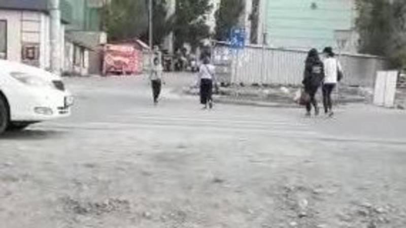 Мэрия ответила на просьбу жителей Тунгуча о лежачем полицейском