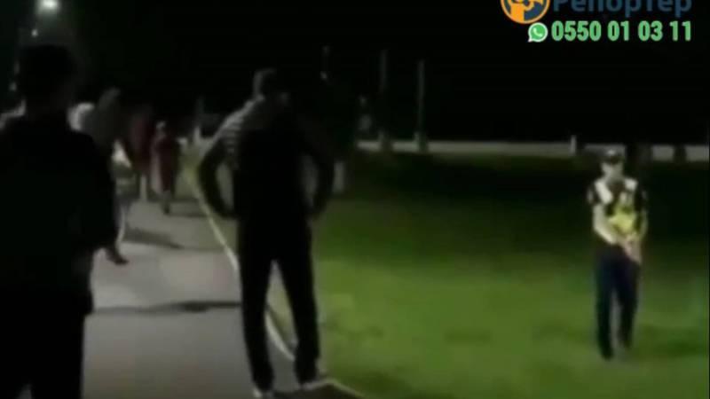 Милиционер достал оружие. Что произошло в парке Ч.Тулебердиева? Видео