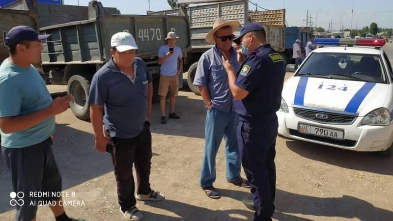 Патрульная милиция провела разъяснительную работу с водителями большегрузных автомобилей