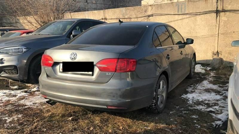 Водитель, снявший госномер со своей машины, оштрафован. Машина на штрафстоянке, - УПСМ
