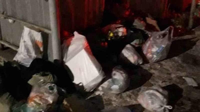 Бишкекчанин жалуется на мусор в 4 мкр