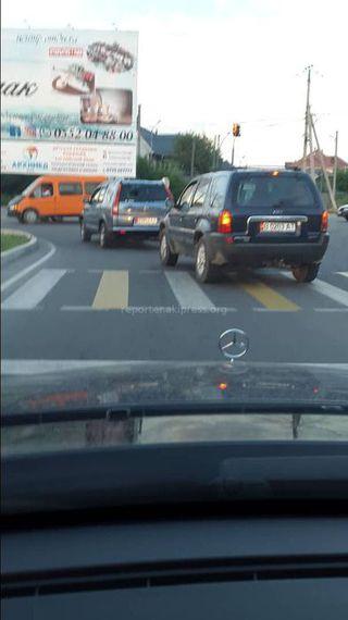 Выезд за стоп-линию и проезд перекрестка на красный сигнал светофора на Южной магистрали-Шабдан Баатыра