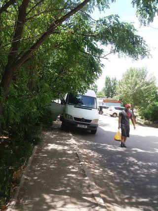 Парковка на тротуаре на ул.Казан-Булак. Фото сделано 13 июня